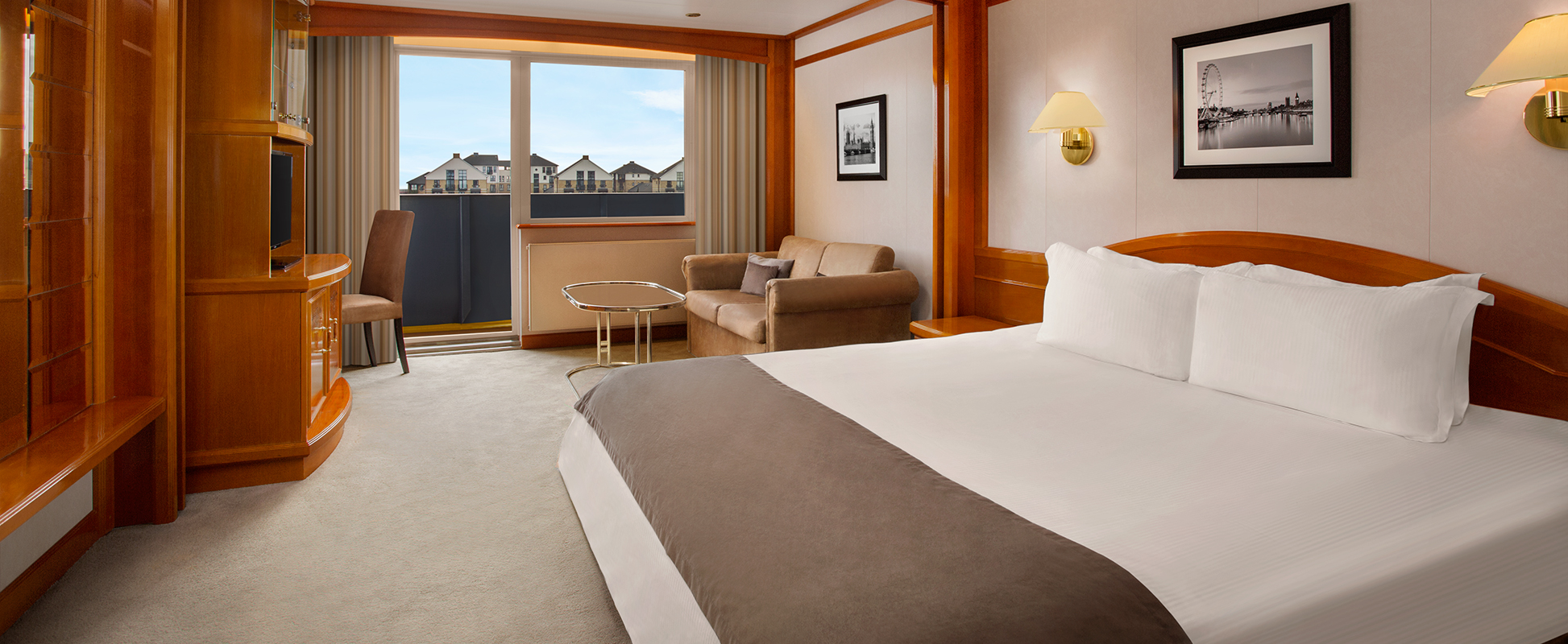 Executive-Riverview-Room