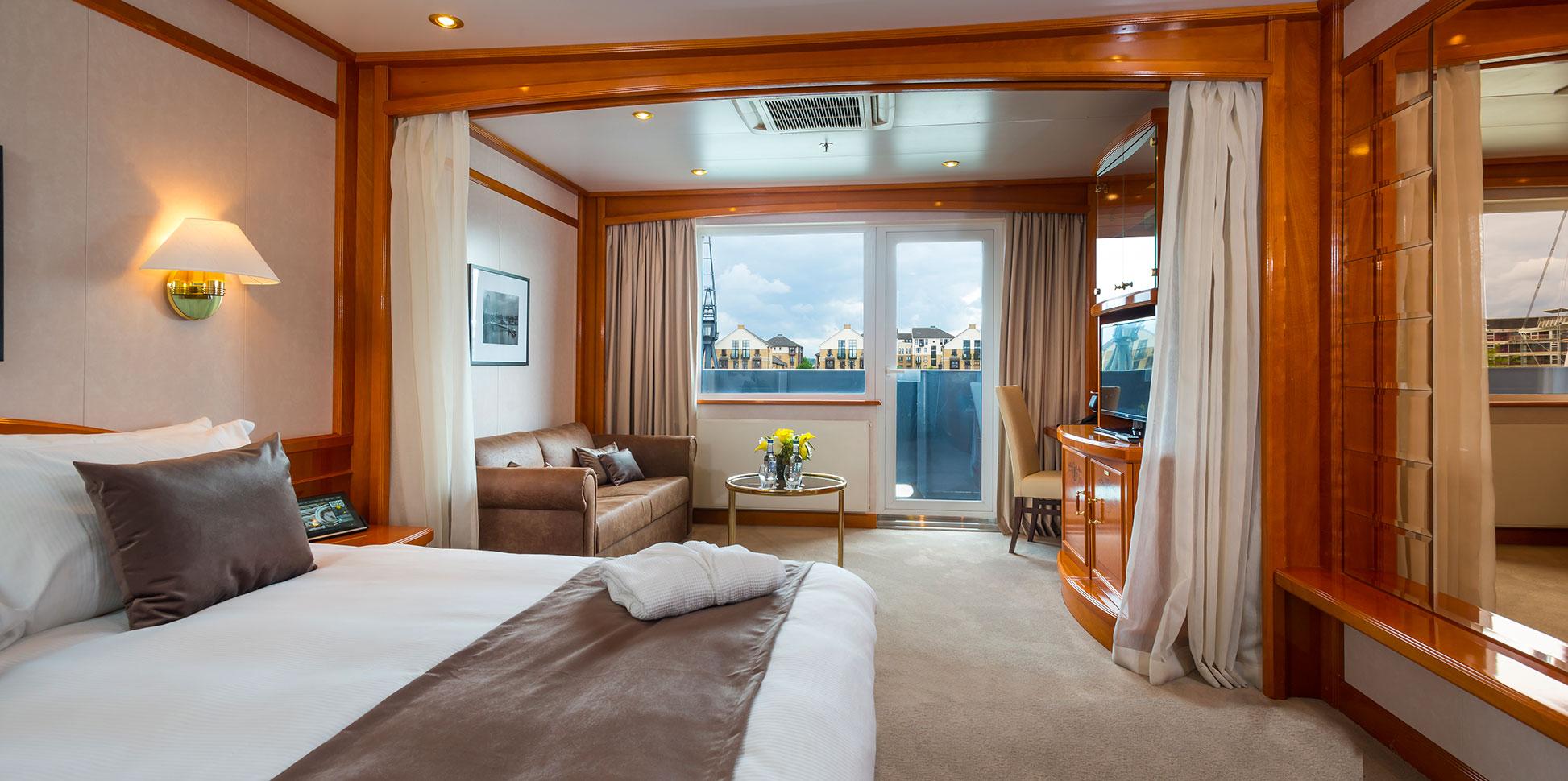 Sunborn London Rooms