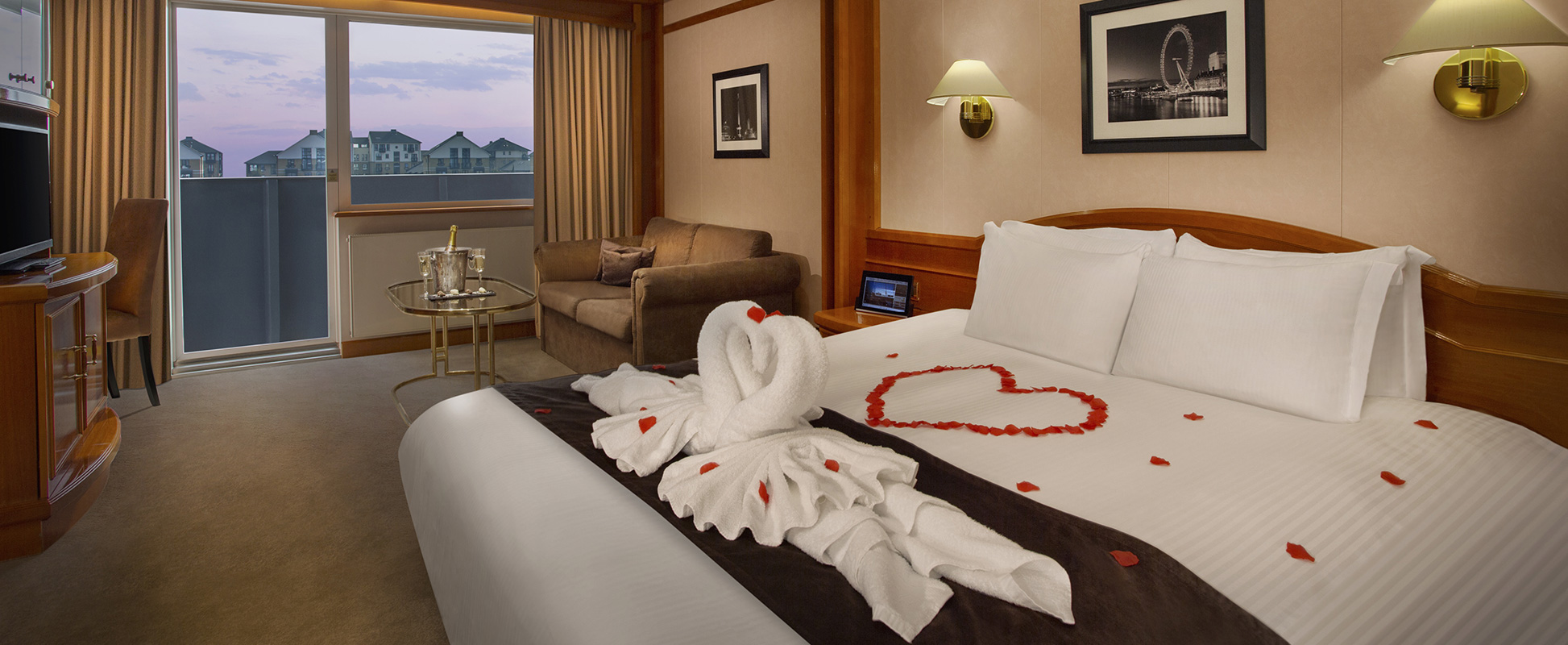 Pictures Of Romantic Hotel Rooms