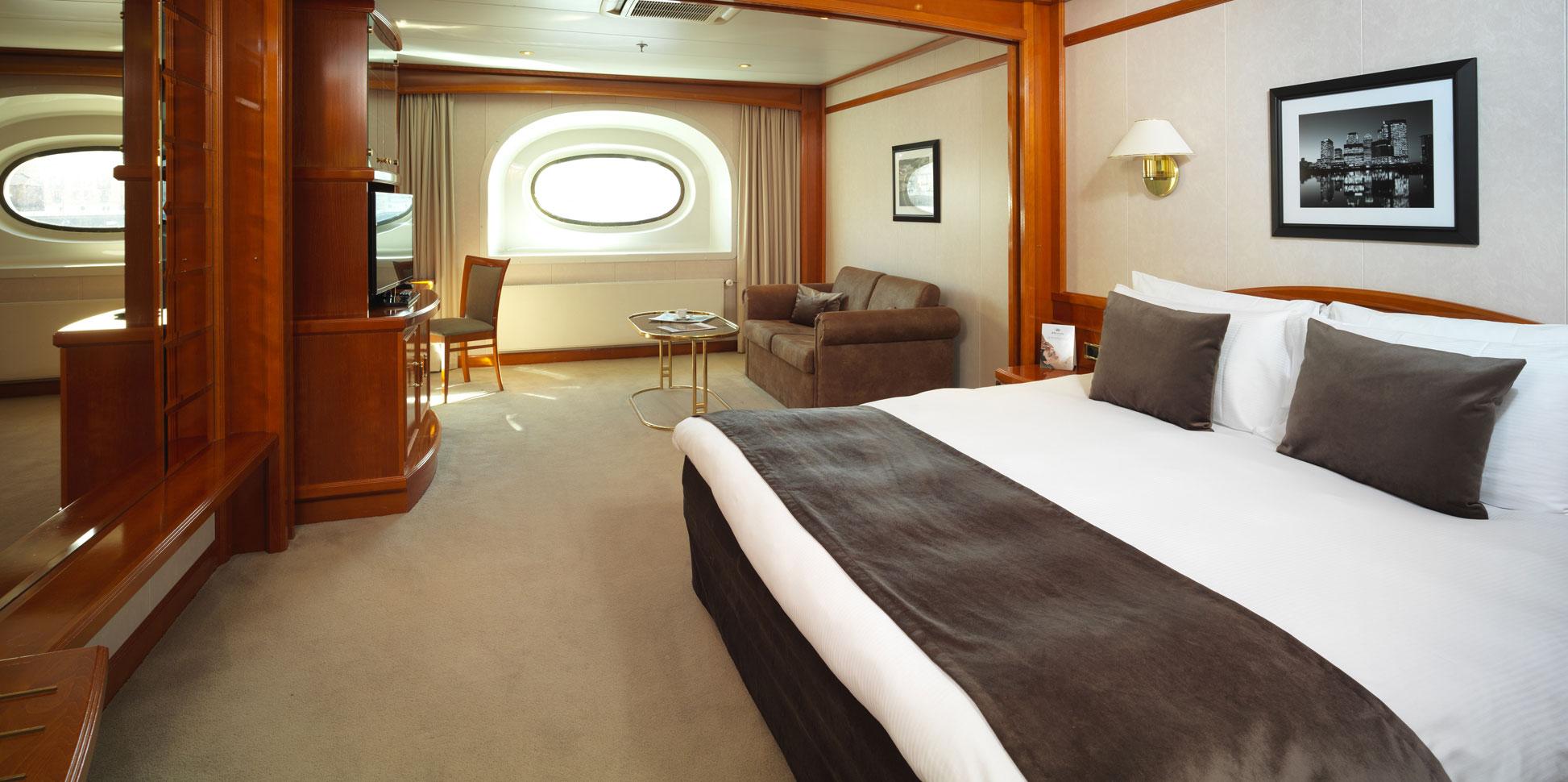 Yacht Hotel London